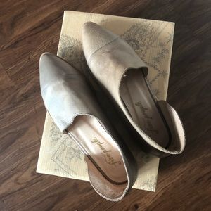 NWT Free People Royale Flat in Grey Sz 8